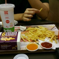 Photo taken at McDonald's by Prim(a) N. on 9/25/2016