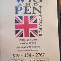 Photo taken at The Wig & Pen Pizza Pub by Marc G. on 9/22/2015