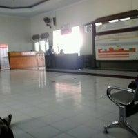 Photo taken at Stasiun Jombang by Farah N. on 10/21/2012