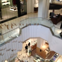 Photo taken at Neiman Marcus by fuyu👁🗨 ガ. on 10/6/2012