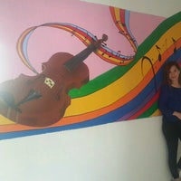 Photo taken at Yüksel Yalova Güzel Sanatlar Lisesi by Zeynep B. on 10/10/2016