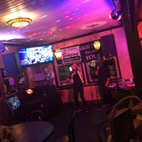 Photo taken at Hennessey's Tavern by Jeff G. on 5/9/2016
