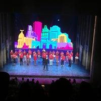 Photo taken at Teatro Arteria Coliseum by Mari trini G. on 9/7/2013