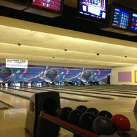 Photo taken at Fountain Bowl by Mari A. on 3/9/2013