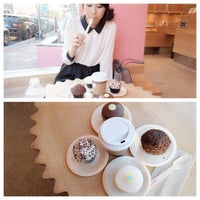 Photo taken at Sprinkles Cupcakes by SACROSS ★ P. on 6/4/2013