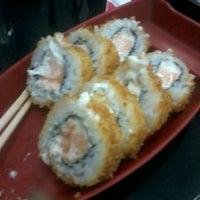 Photo taken at Sushi Redentor by Eridani M. on 7/27/2013