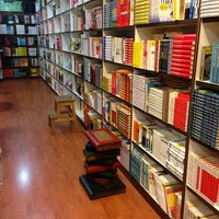Photo taken at BookXcess by Xian E. on 5/28/2013