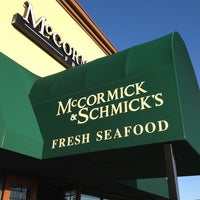 Photo taken at McCormick & Schmicks Seafood Restaurant by GoGirl N. on 3/9/2013