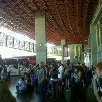 Photo taken at Terminal de Ómnibus de Córdoba by Rocio L. on 3/27/2013