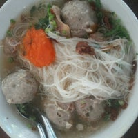 Photo taken at Bakso Mas Kumis by Djuhen T. on 12/21/2015