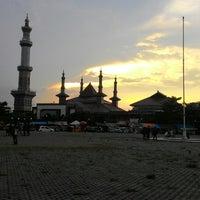 Photo taken at Masjid Raya At Taqwa Kota Cirebon by Anhar A. on 2/28/2015