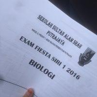 Photo taken at Sekolah Sultan Alam Shah (SAS) by Memey on 7/16/2016
