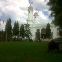 Photo taken at Masjid Raya Baiturrahman by Elas P. on 12/14/2012