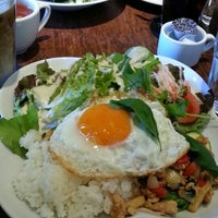 Photo taken at SHOTO CAFE (松濤カフェ) by ヨウんコ on 11/24/2013