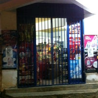 Photo taken at Lo de pedro (la esquina) by Omar G. on 12/6/2012