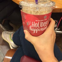 Photo taken at The Coffee Bean & Tea Leaf by Sun-young L. on 12/7/2015
