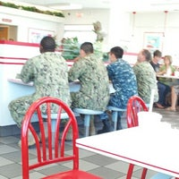 Photo taken at In-N-Out Burger by Kai on 5/18/2013