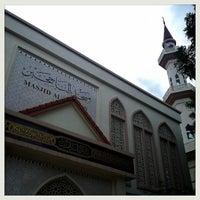 Photo taken at Masjid Al Najihin (مسجد الناجيهين) by Ajez A. on 12/24/2012