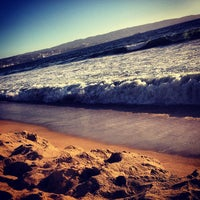 Photo taken at Sector 3 - Playa Reñaca by Nena L. on 2/19/2013