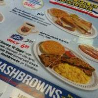 Photo taken at Waffle House by Steph I. on 2/27/2016