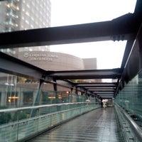 Photo taken at 希望の橋 (ブリッジ渋谷21) セルリアンタワー前歩道橋 by Buzz 1. on 9/25/2015