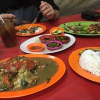 Photo taken at Santiga Seafood (Abeng) by kanaya s. on 5/22/2016