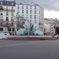 Photo taken at Avenue Gambetta by Levon I. on 4/28/2014