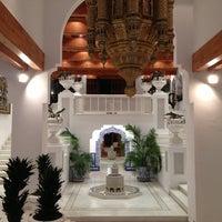 Foto tomada en Marbella Club Hotel por Vincent B. el 11/4/2012