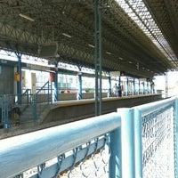 Photo taken at L1 Tren Ligero Estación Dermatológico by Felix A. on 11/7/2015