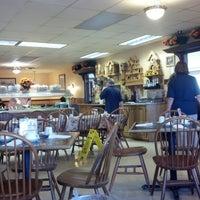 Photo taken at Little Nashville Restaurant by Mark D. on 9/29/2012
