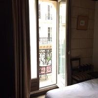 Photo prise au Hôtel Europe Saint Séverin par Sherri W. le11/28/2013