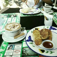 Photo taken at Gardenia Cafe by UntariAgustin H. on 5/8/2015