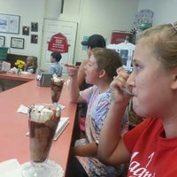 Photo taken at Cammie's Old Dutch Ice Cream Shoppe by Janie H. on 9/20/2013