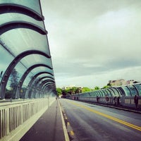 Photo taken at Grafton Bridge by Tùng P. on 10/8/2012