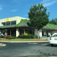 Photo taken at McDonald's by Stephen G. on 7/31/2016
