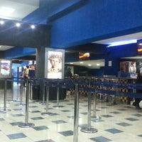 Foto tomada en Súper Cines La Cascada por tusaltos .. el 2/1/2014