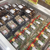Photo taken at 成城石井 アトレ新浦安店 by やまもーぱっさん (. on 10/2/2016