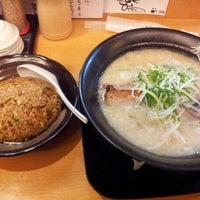 Photo taken at 麺's room 神虎 なんば店 by 石川 浩. on 11/25/2012