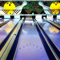 Photo taken at Via Bowling by Cristiano L. on 3/22/2013