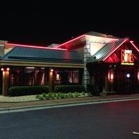 Photo taken at Smokey Bones Bar & Fire Grill by 🇬🇧Alphonso G. on 5/22/2014