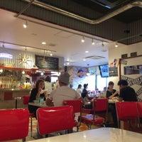 Photo taken at BIG BEN Diner by 小太郎 .. on 9/18/2016