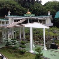Photo taken at Kubah Makam Diraja Brunei by Sanol A. on 7/15/2014