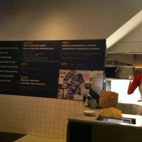 Photo taken at Pizzeria Delfina by Gordon G. on 1/18/2013