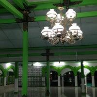 Photo taken at Masjid Besar Al-Izhar Kutoarjo by a_ackbar on 12/21/2012