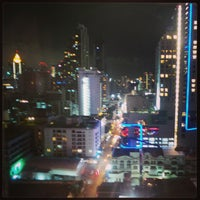 Photo taken at Fraser Suites Sukhumvit, Bangkok by Hesham A. on 6/9/2013