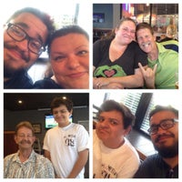 Photo taken at Red Robin Gourmet Burgers by Andrea N. on 8/22/2015