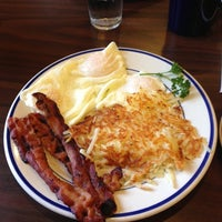 Photo taken at Bob Evans Restaurant by Glenn B. on 10/7/2012