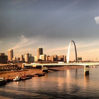 Photo taken at Gateway Arch by Jen R. on 11/13/2012