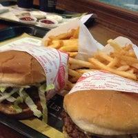 Photo taken at Fatburger by Maryam ~. on 7/13/2013