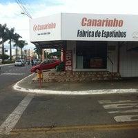 Photo taken at Casa de Carnes Canarinho by Wesley P. on 5/17/2013